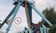 Mảnh ghế đu quay văng xa từ độ cao 20 mét khiến người xem thót tim
