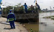 Người dân hoảng hốt phát hiện thi thể nam giới đang phân hủy trên sông Sài Gòn
