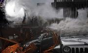 Video cho thấy sức gió khủng khiếp khi siêu bão