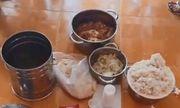 Công an điều tra vụ trường mầm non cho trẻ ăn gạo mốc, đầu cá