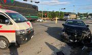 Tin tai nạn giao thông mới nhất ngày 15/10/2018: Xe chở bệnh nhân về quê bị tai nạn, y tá văng khỏi xe