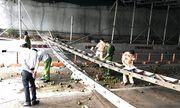 Tin tai nạn giao thông mới nhất ngày 16/10/2018: Tài xế tông sập giàn giáo trước hầm Thủ Thiêm nói gì?