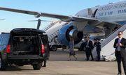 Máy bay chở đệ nhất phu nhân Mỹ hạ cánh khẩn cấp do bốc khói trong cabin