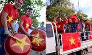 CĐV Việt Nam mang sắc đỏ phủ kín sân vận động quốc gia Lào