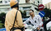 Hà Nội: Thanh niên đầu trần chạy SH, đi ngược chiều còn thách thức CSGT