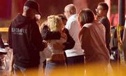 Gần 60 người từng sống sót sau thảm sát Las Vegas có mặt tại vụ xả súng ở quán bar