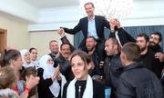 Video: Giải phóng khỏi IS, người dân kiệu Tổng thống Syria ăn mừng