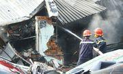 Hiện trường vụ cháy 3 cửa hàng tại Bình Dương: Phát hiện 1 thi thể trong đống đổ nát