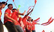 Video: Hàng ngàn CĐV Việt Nam biến SVĐ Mỹ Đình thành \