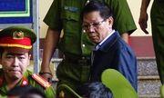 Xét xử vụ đánh bạc nghìn tỷ: Ông Phan Văn Vĩnh nói gì về những món quà xa xỉ?