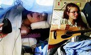 Video: Nghẹn lòng trước tiếng hát của cô gái trong phòng phẫu thuật não