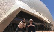 Cháu gái 17 tuổi đi làm thêm, dành tiền đưa bà sang Úc xem concert của thần tượng