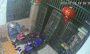 Video: Tên trộm táo tợn tháo hẳn cổng nhà, rồi lẻn vào lấy cắp xe máy