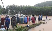 Nam thanh niên bị nước lũ cuốn trôi khi đi qua đập tràn