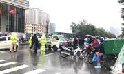 Tin tai nạn giao thông mới nhất ngày 13/12/2018: Người thân gào khóc cạnh thi thể thanh niên giữa trời mưa rét
