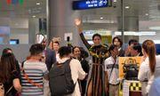 Video: H'Hen Niê trở về trong vòng tay của gia đình và người hâm mộ