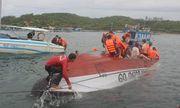 Tin tai nạn giao thông mới nhất ngày 27/12/2018: Lật tàu du lịch Nha Trang, 2 người chết