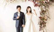 Video: Tiến Đạt nắm tay vợ mới cưới, nói điều bất ngờ sau hôn lễ