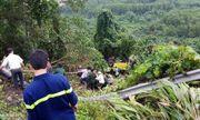 Xe khách lao xuống vực sâu ở đèo Hải Vân, 21 người gặp nạn