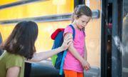 Hà Nội: Hoang mang trước tin trẻ em bị dụ dỗ ngay trước cổng trường