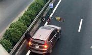 Tin tai nạn giao thông mới nhất ngày 15/1/2019: Xe chở vật liệu chạy lùi, cán bé gái 15 tháng tuổi tử vong