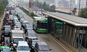 Bảo vệ xe buýt nhanh BRT: Hà Nội liệu có