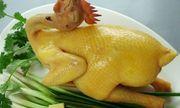 Mâm cúng Rằm tháng Chạp: Cách luộc gà vàng ươm không bị nứt