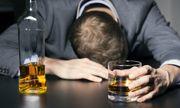 Chuyên gia mách 'bí kíp' nhận biết methanol trong rượu để tránh ngộ độc