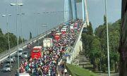 Dòng người kéo về TP. Hồ Chí Minh sau kỳ nghỉ Tết, cầu Mỹ Thuận tắc gần 10km