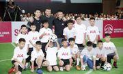 David Beckham thi đấu tâng bóng cùng với Công Vinh, Duy Mạnh tại TP.HCM