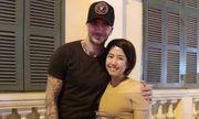 David Beckham thân thiện xuống phố đi bộ khoác vai chụp ảnh cùng fan Việt