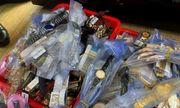 Kiểm tra 5 cửa hàng ở Nha Trang, tịch thu hơn 3.000 đồng hồ Rolex, Patek Philippe... giả