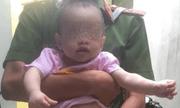Bé trai bị bỏ rơi trên vỉa hè giữa đêm khuya ở Bình Định