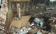 Nghệ An: Xót thương bố đào móng mương nước làm đổ tường bao, đè chết con gái 8 tuổi