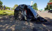 Audi Q7 hạng sang gặp nạn, đầu và đuôi xe tách làm đôi, nằm cách nhau hơn chục mét