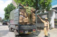 An ninh - Hình sự - Hà Nội: CSGT bắt xe chở 80 thùng hàng nhựa Trung Quốc