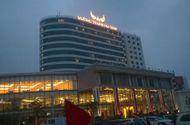 Doanh nghiệp - Đại gia hút thuốc lào đi Rolls Royce khánh thành khách sạn 4 sao