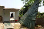 Tin trong nước - Gió lốc tiếp tục đổ bộ Lào Cai, trên 60 công trình bị hư hại