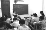 Giáo dục - Thủ khoa đi xe lăn và hành trình chắp cánh cho những học sinh đam mê Toán học