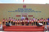 """Tài chính - Doanh nghiệp - """"Tôn Hoa Sen - Cùng em đi học"""" tại Ninh Thuận"""