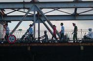 Tin trong nước - Kịp thời cứu một thiếu nữ 9X nhảy cầu Long Biên