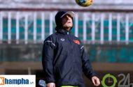 Bóng đá - Tin nóng AFF Cup 23/11: Xuân Trường 'tròn mắt' xem thầy Thắng, HLV Riedl lo lắng