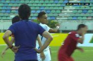 Bóng đá - Hành động thiếu fair-play của cầu thủ Malaysia với Thành Lương
