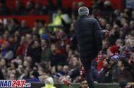 Bóng đá - Án phạt cực nặng dành cho Mourinho vì phản ứng với trọng tài