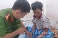 """An ninh - Hình sự - Nam thanh niên """"tung cước"""" hạ gục tên cướp giữa Sài Gòn"""
