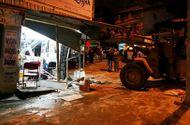 Hội Luật Gia - Xe tải tự trôi tông xe 7 chỗ và làm sập cửa tiệm uốn tóc