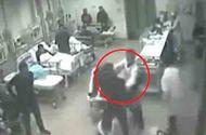Video-Hot - Bác sĩ bị người nhà bệnh nhân đánh tới tấp