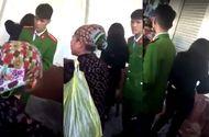 An ninh - Hình sự - Cô gái lừa du khách mua tăm từ thiện với giá 500 nghìn /gói bị xử phạt