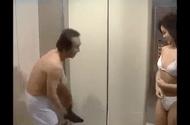Video-Hot - Mắc bẫy mỹ nhân trong thang máy