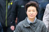 Tin thế giới - Phà Sewol được kéo lên và sự sụp đổ của Tổng thống Park